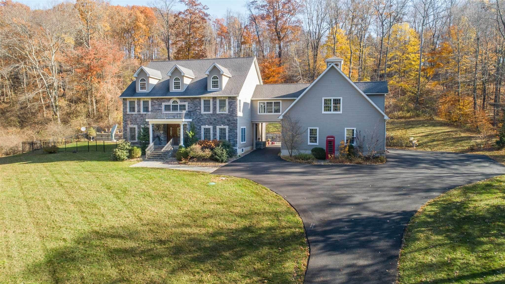 Single Family Homes for Sale at 11 STRAWBERRY HILL Road Pawling, New York 12564 United States