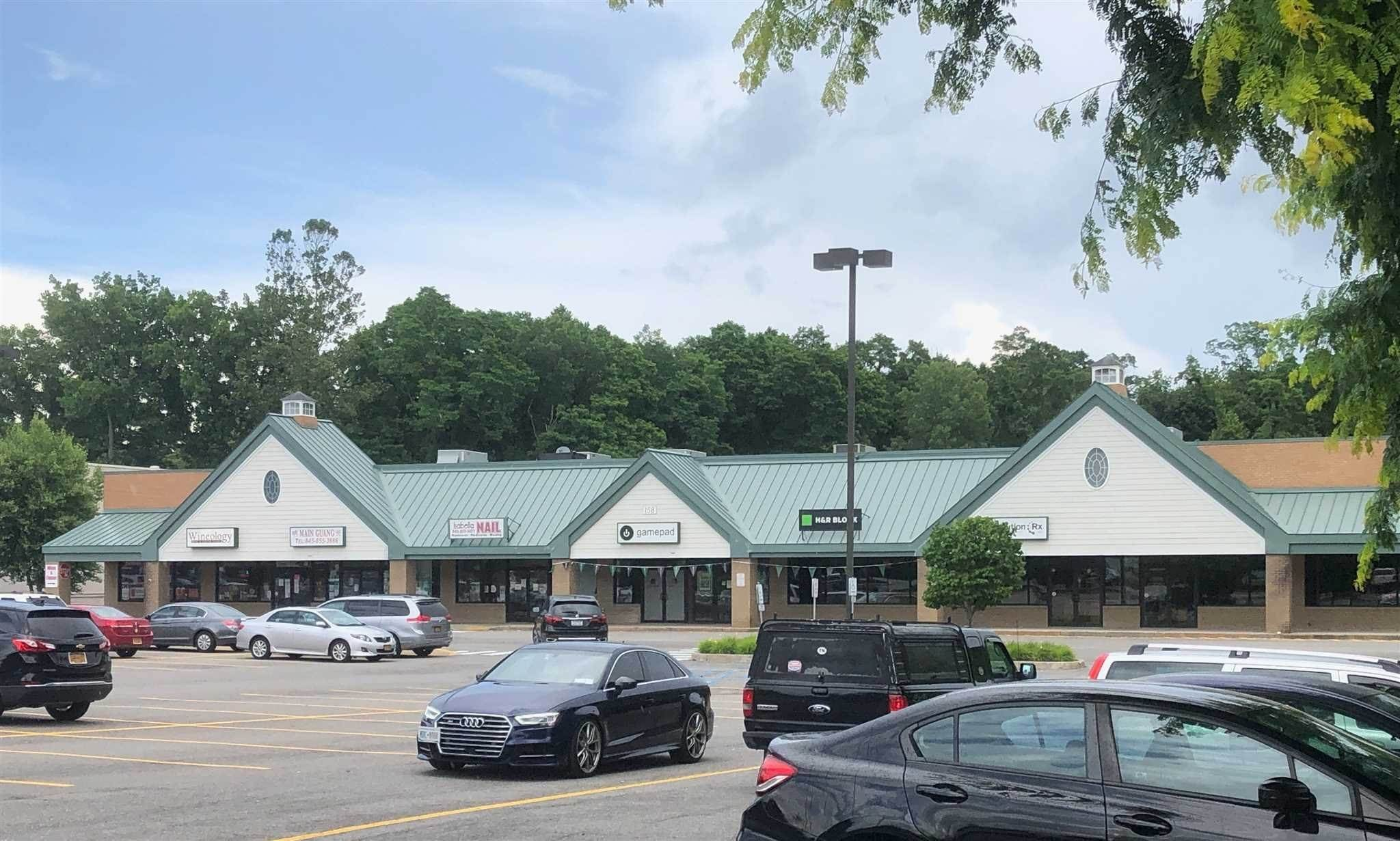Retail for Sale at 158 ROUTE 22 Pawling, New York 12564 United States