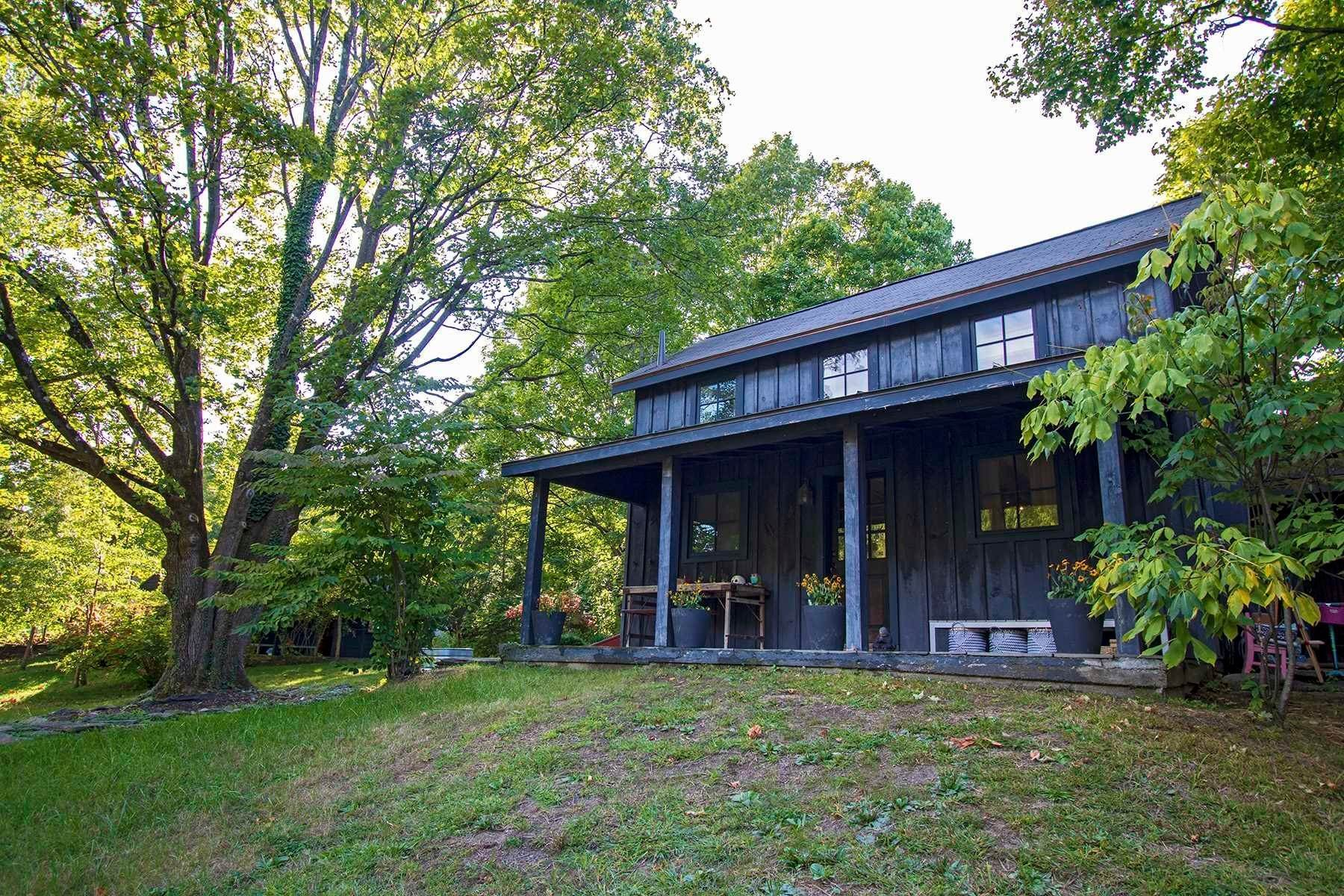 15. Single Family Homes for Sale at 1 VANDERBURGH Street Rhinebeck, New York 12574 United States
