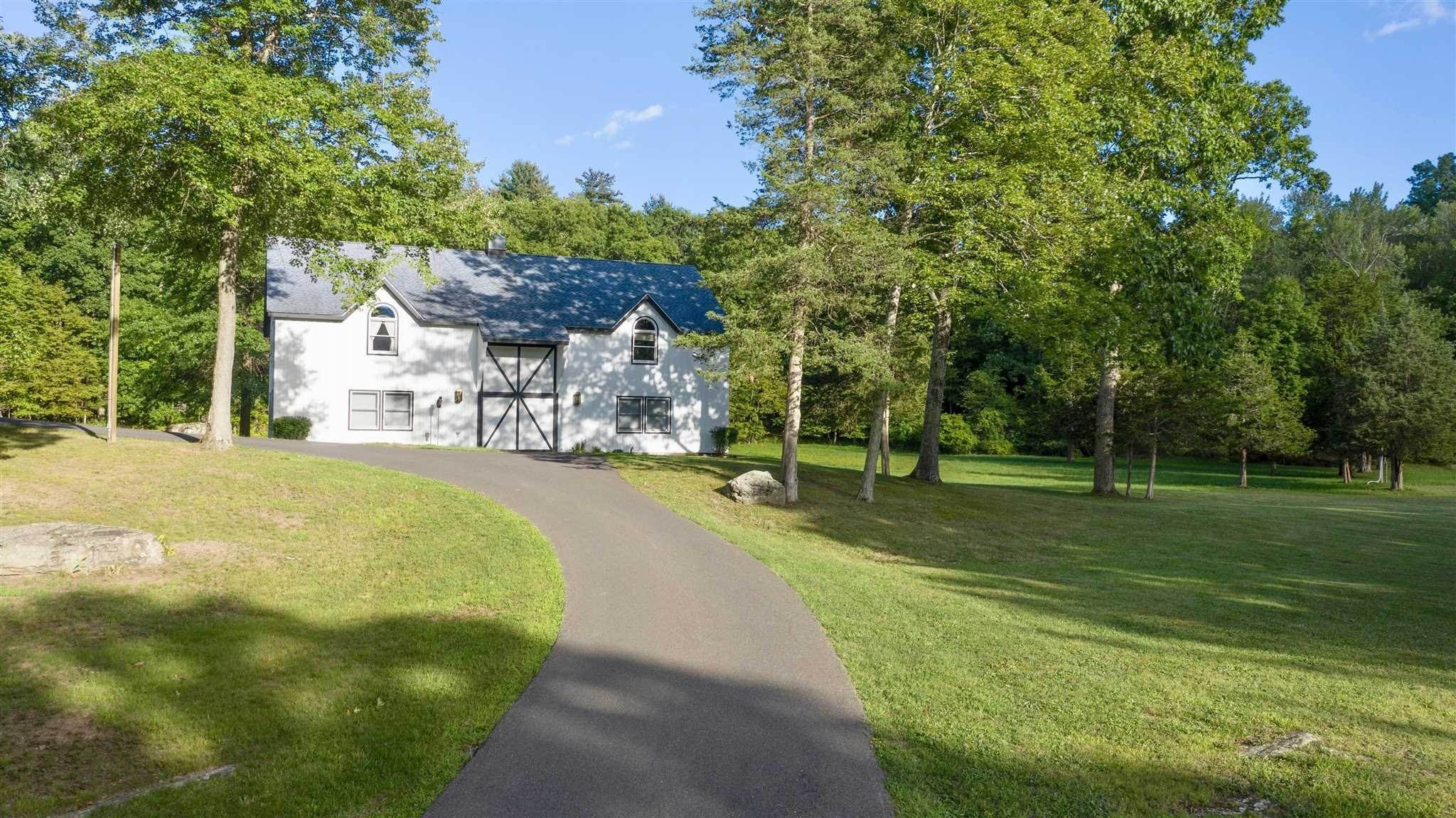 19. Single Family Homes for Sale at 43 MIDNIGHT LANE Rhinebeck, New York 12572 United States