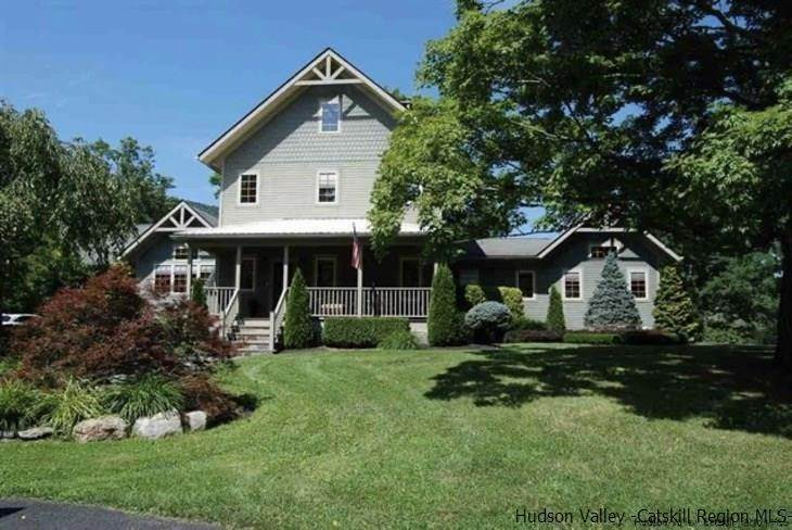 Single Family Homes para Venda às 352 S Mountain Road Road Gardiner, Nova York 12589 Estados Unidos