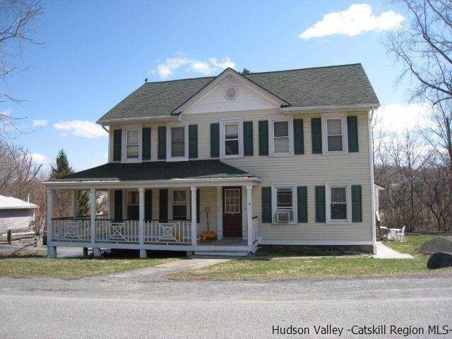 Single Family Homes para Venda às 10-32 S ROBERTS Road Highland, Nova York 12528 Estados Unidos