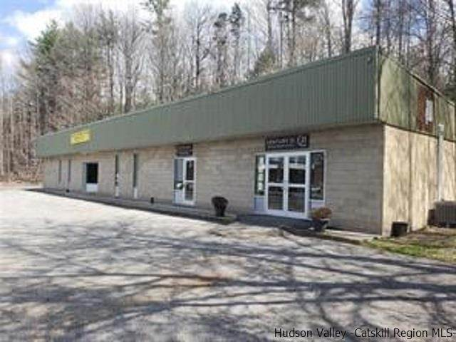 Offices for Sale at 2016 Route 9W Avenue 2 Lake Katrine, New York 12449 United States