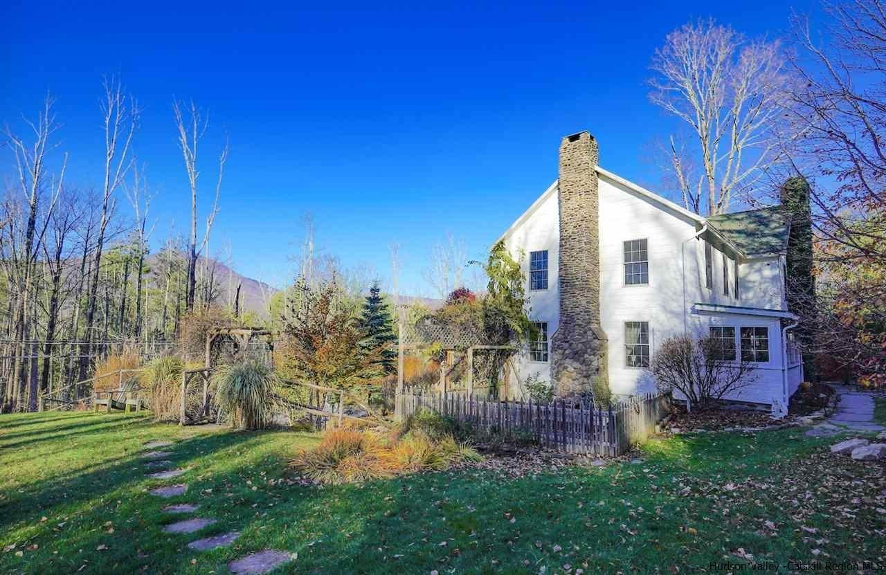 Single Family Homes for Sale at 226 Upper Boiceville Road Boiceville, New York 12412 United States