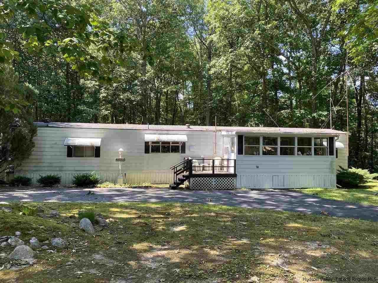 Mobile Homes pour l Vente à 16 Bob Cat Road Wurtsboro, New York 12790 États-Unis