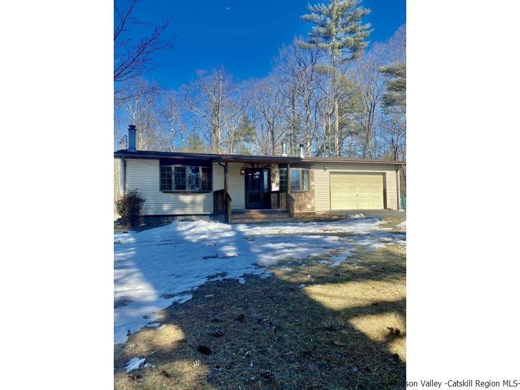 Single Family Homes for Sale at 1073 Indian Springs Road Pine Bush, New York 12566 United States