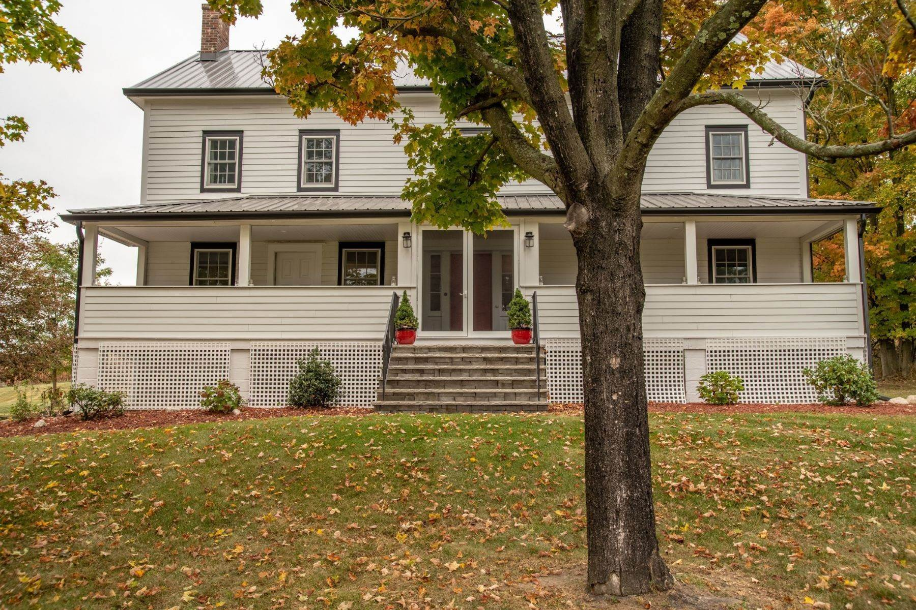 Single Family Homes por un Venta en Karsten Farms 45 S. Kaisertown Road Montgomery, Nueva York 12549 Estados Unidos