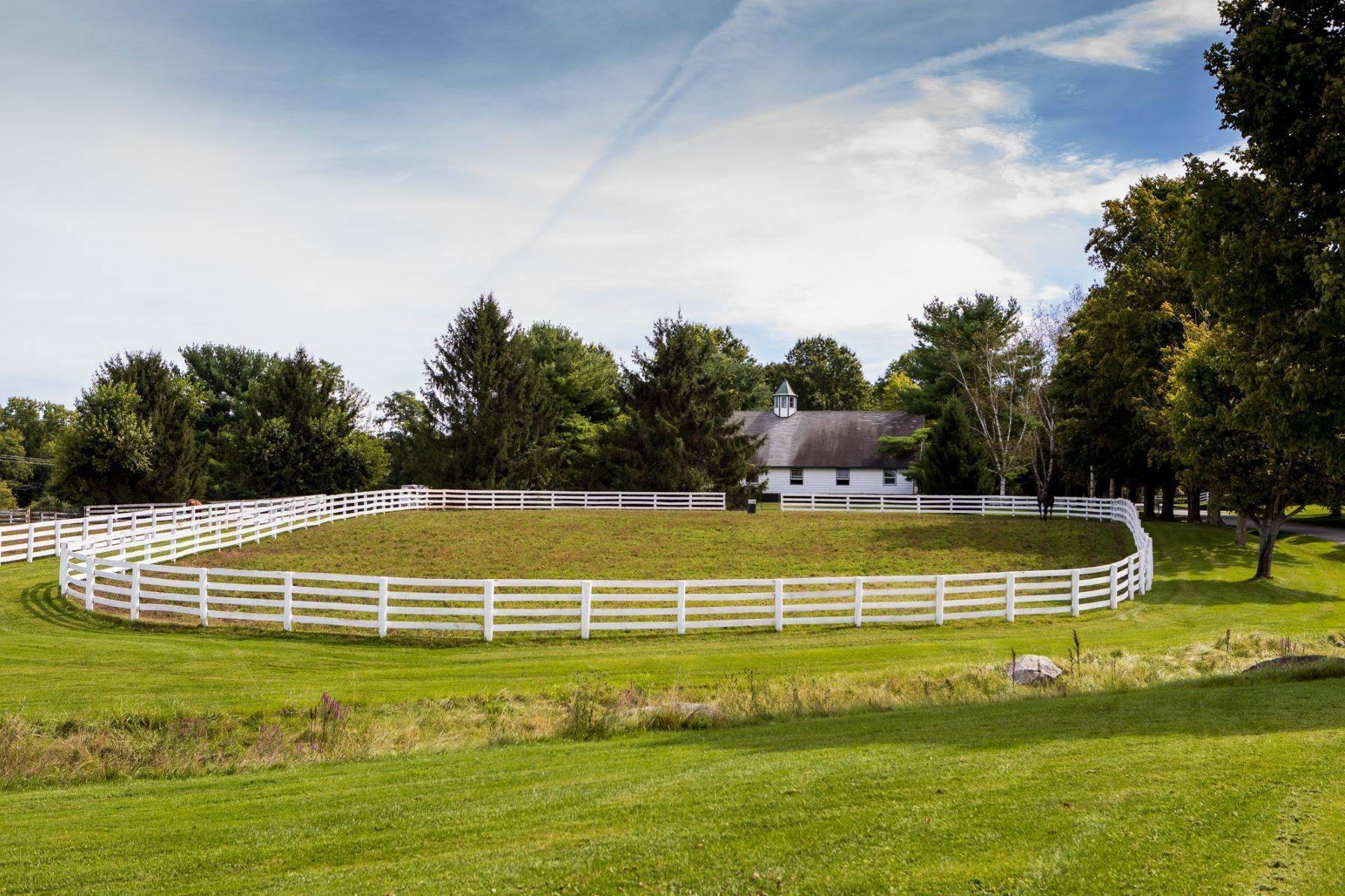 26. Single Family Homes for Sale at Sugar Maple Farm 14 Sugar Lane Poughquag, New York 12570 United States