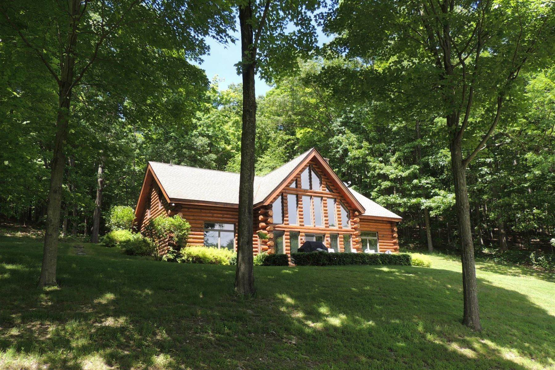 14. Single Family Homes for Sale at Styled Serenity 438 Doodletown Road Ancram, New York 12502 United States