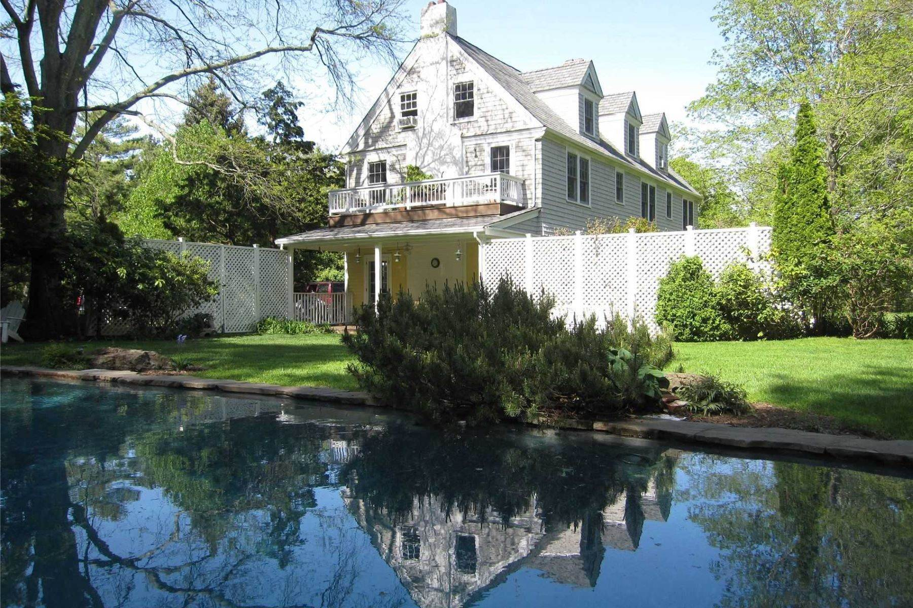 Single Family Homes für Verkauf beim 23 Sunnyside Avenue, Shelter Island H, Ny, 11964 23 Sunnyside Avenue Other Areas, New York 11964 Vereinigte Staaten
