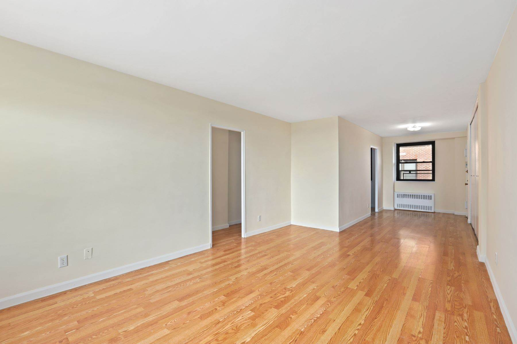 Co-op Properties at 4705 Henry Hudson Pkwy West, Apt. 14F 4705 Henry Hudson Parkway, Apt 14F Bronx, New York 10471 United States