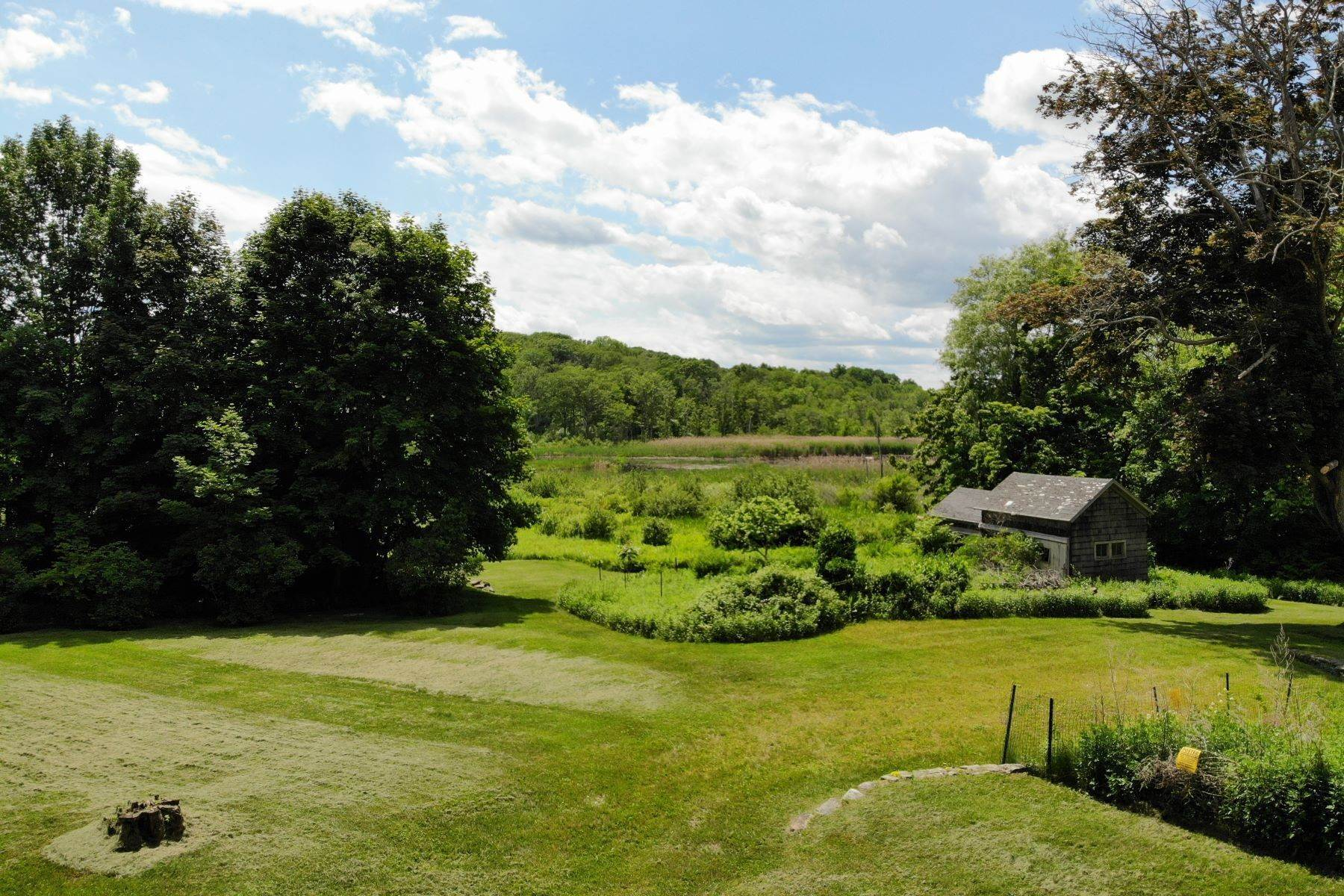 Terrain pour l Vente à Privacy and the enjoyment of wildlife 25 Bowne Road Sharon, Connecticut 06069 États-Unis