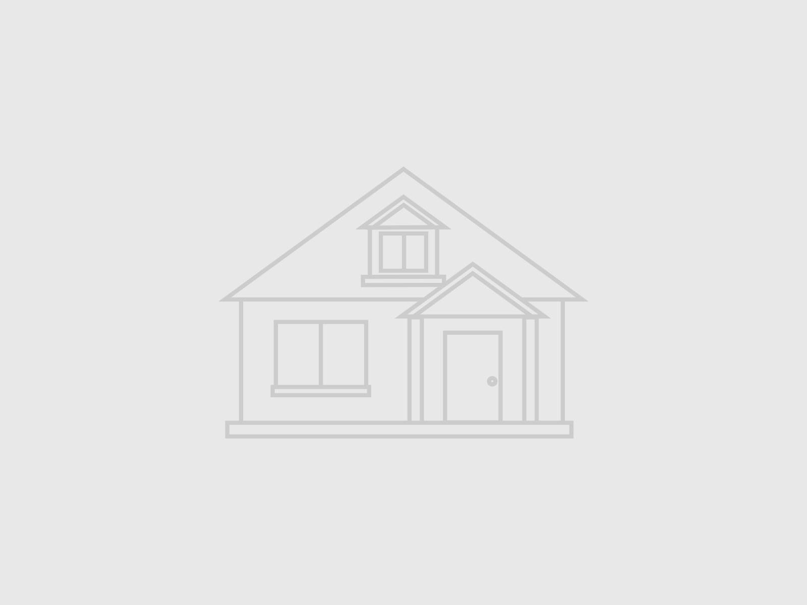 Single Family Homes pour l Vente à 45 Coutant Road Tillson, New York 12486 États-Unis